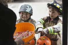 The Most Popular Halloween Candy and Their Ingredients and Food Allergens: Have a Safe Halloween!