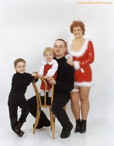 hilarious-family-christmas-photos. So much win in this set of pics!