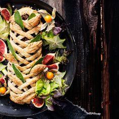 Kasvisruoka kiinnostaa monia, mutta arjen keskellä ideat voivat loppua kesken. Ei hätää: tässä vegeohje kuukauden jokaiselle päivälle. Vegan Christmas, Christmas Treats, Ovo Vegetarian, Vegetarian Recipes, Kung Pao Chicken, Vegetable Recipes, Pasta Salad, Vegetables, Cooking