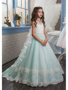 Beautiful Princess Girls Dress Cute Butterfly Mermaid Tail Lace ... 220d7e171094
