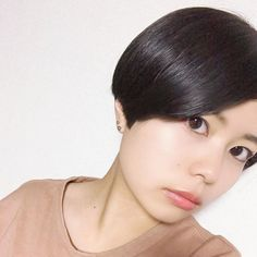 画像に含まれている可能性があるもの:1人以上、クローズアップ Asian Short Hair, Short Hair Cuts, Short Hair Styles, Short Bob Haircuts, Bob Hairstyles, Pixie, Hikari, Bobs, Instagram