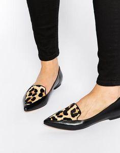 Dune Zapatos planos de cuero en punta con panel de efecto piel de poni con estampado de leopardo Austine Cuero negro #shoes #covetme #Dune