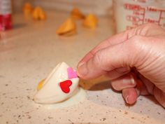 Valentine's Day Kids' Craft: White-Chocolate-Dipped Fortune Cookies : Decorating : Home & Garden Television