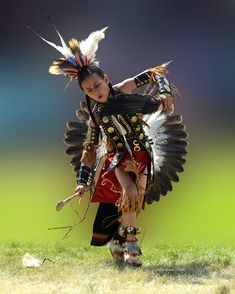 Feather Down young native american dancer Native American Children, Native American Pictures, Native American Wisdom, Native American Beauty, Native American Regalia, American Indian Art, Native American History, American Indians, Film Maker