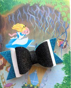 Ribbon Hair Bows, Girl Hair Bows, Girls Bows, Ribbon Flower, Fabric Flowers, Felt Hair Accessories, Disney Hair Bows, Bow Template, Ribbon Sculpture