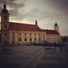 travel agency - www.ro at Sibiu. Round Trip, Travel Agency, Romania, Louvre, Club, Building, Instagram Posts, Construction, Buildings