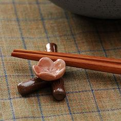 Plum blossom chopstick rest