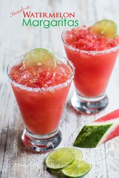 margaritas Inside-A-Watermelon Margarita Recipe for a great watermelon cocktail recipe Watermelon Cocktail, Watermelon Margarita, Watermelon Recipes, Margarita Cocktail, Easy Margarita Recipe, Margarita Recipes, Cocktail Recipes, Cocktail Ideas, Spicy Candy