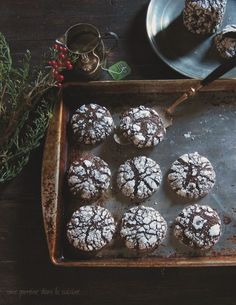 Dark Chocolate Ginger Molasses Crackle Cookies | une gamine dans la cuisine ginger molass, crackl cooki, chocol ginger