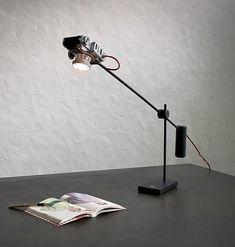 Vintage camera desk lamps by YStudio – upcycleDZINE #upcycle #desk #camera #lighting