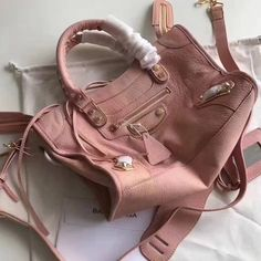 Balenciaga Clasic Gold Metallic Edge Goatskin City Bag Size: cm Tips: I would really like to recommend this site https:. Designer Purses, Sacks, Balenciaga City Bag, Bag Sale, Metallic, Shoulder Bag, Classic, Pink, Gold