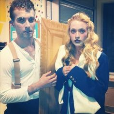 Two-Person Costumes Guaranteed To Up Your Halloween Game Frozen Jack and Rose from Titanic Costume Halloween, Creative Halloween Costumes, Cool Halloween Costumes, Diy Costumes, Costume Ideas, Halloween Ideas, Couples Halloween Costumes Creative, Halloween Outfits, Halloween Makeup