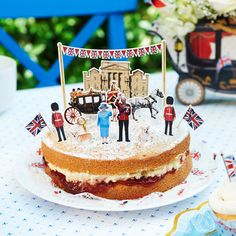 Jubilee table top decorations fit for royalty - housetohome.co.uk