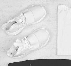 Der 'Defiant' ist die lässige Variante für Frauen des adidas 'Tubular'. Hier entdecken und shoppen: http://sturbock.me/Kkd