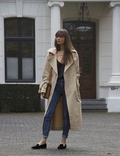 When it is not cold enough to wear thick trench coat outfit Casual Winter Outfits, Winter Fashion Outfits, Look Fashion, Lolita Fashion, Fashion Boots, Fall Fashion, Fashion Dresses, Coats For Women, Jackets For Women