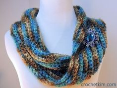 Sea Bling Cowl and MORE Free One-Skein crochet patterns compiled by Simply Collectible