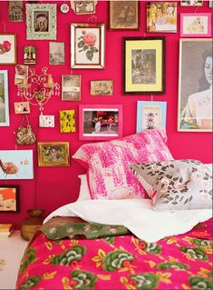 I don't care how much dusting I have to do, I would love crap all over my hot pink walls :)