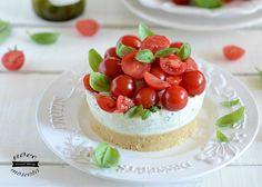Se siete indecisi fra una #Caprese e una #Cheesecake c'è solo una una soluzione possibile. La Caprese Cheesecake!