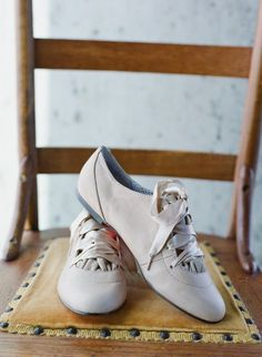 Bridal Oxfords by http://www.betseyjohnson.com/ Photography by http://austinwarnock.com