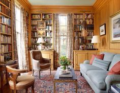 Oh I wish I had a library like this in our hose!