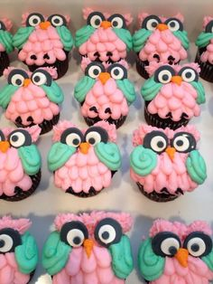 Owl Cupcakes For My Mom The Little Adventurer With Cakes And Cup Cakes!These r the cupcakes we had put in tree cake . Cake Pops, Deco Cupcake, Cupcake Cookies, Love Cupcakes, Yummy Cupcakes, Owl Cakes, Cupcake Heaven, Cute Cakes, Creative Cakes
