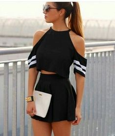 Feel Free to Express Your Own Style with Your short two piece outfits.Today, these outfits are made to look extremely stylish while being efficient at the same time. We are lovin' the two piece set… Girly Outfits, Mode Outfits, Short Outfits, Spring Outfits, Short Dresses, Casual Outfits, Summer Outfit, Dress Casual, Cropped Top Outfits