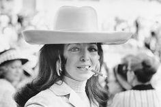 Maria Felix weaing her pair of Serpent Cartier earings, 1971