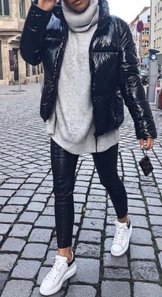 36 Attractive Sneakers Outfit Ideas For Fall And Winter – Mode Outfits Winter Outfits Women, Winter Fashion Outfits, Look Fashion, Autumn Winter Fashion, Fall Outfits, Fall Fashion, Womens Fashion, Fashion Ideas, Fashion Black