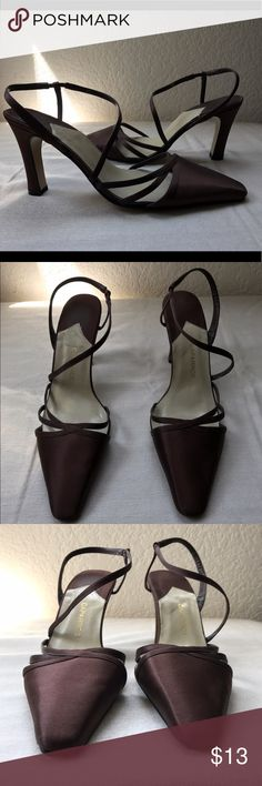 9a804a38349cd Shop Women s Caparros Brown size 8 Heels at a discounted price at Poshmark.