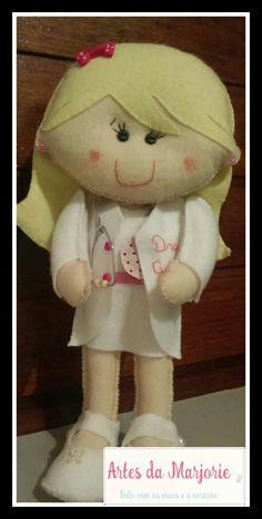 Boneca personalizada médicas !!! #artesdamarjorie #feltro #bonecas