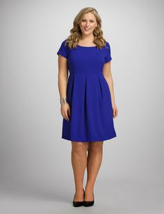 Whether you're meeting up with friends, heading to brunch or just looking to keep things relaxed, dressbarn's collection of plus size day and casual dresses will have you looking and feeling great. Shop our casual dresses in plus sizes today! Mom Dress, Dress Barn Dresses, Dress Outfits, Casual Dresses, Cool Outfits, Fashion Outfits, Curvy Fashion, Plus Size Fashion, Plus Size Dresses