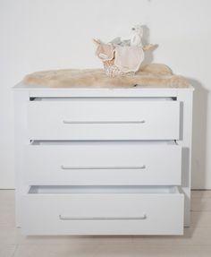 Cabino Babykamer Noel 2-delig prijzen vergelijk je op Vergelijkprijs.nl Dresser, Table, Furniture, Home Decor, Noel, Powder Room, Decoration Home, Room Decor, Stained Dresser