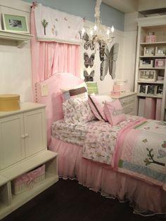 Kandeeland: Roomspiration Kids Edition: chandeliers, tutus & R2D2