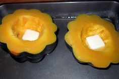 Every time I walk into the grocery store this time of year, the produce section is FILLED with bright and colorful squashes. There are so many of them overflowing their baskets, that I always feel compelled to buy them. Nature gives us these fresh ingredients each autumn, so we should use them!  This time...Read More Acorn Squash In Oven, Baked Butternut Squash, Baked Squash, Roasted Squash, Acorn Squash Recipes Healthy, Vegetable Recipes, Vegetable Sides, Veggie Dishes, Spaghetti
