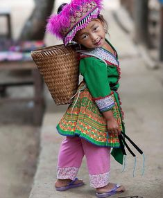 Just carrying my load Precious Children, Beautiful Children, Beautiful Babies, Beautiful People, Kids Around The World, We Are The World, People Around The World, Portrait Photography Tips, Children Photography