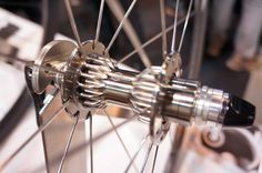 Gokiso's Amazing Suspension Bicycle Hubs