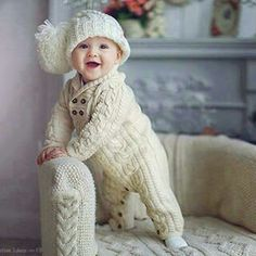 Crochet Baby Outfits Boy Children 19 Ideas For 2019 Winter Baby Clothes, Knitted Baby Clothes, Knitted Romper, Crochet Baby Hats, Crochet Beanie, Crochet Clothes, Crochet Dresses, Baby Outfits Newborn, Baby Boy Outfits