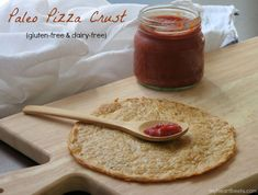 Tasty Paleo Pizza Crust, even tastes cheesy without dairy - My Heart Beets Paleo Pizza Crust, Paleo Bread, Gluten Free Pizza, Gluten Free Baking, Dairy Free, Paleo Baking, Grain Free, Paleo Recipes, Low Carb Recipes