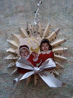 Family tree ornaments...love the idea of crafting before and after the holiday meal....
