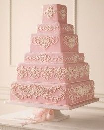 so pretty for a girly occasion! elaborate classic piping patterns seals the deal! | Cok Katli Dugun Pastasi