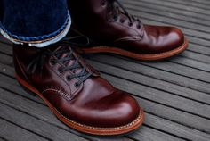 Red Wing Heritage Boots, Red Wing Boots, Me Too Shoes, Men's Shoes, Dress Shoes, Wing Shoes, Brown Boots Outfit, Retro Vintage, Boots 2017