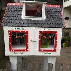 Het is gelukt, mijn minibieb staat op zijn plek. Compleet met boeken, gastenboek, stempel en natuurlijk de kabouter op zolder. Nu maar hopen dat er goed gebruik van gemaakt gaat worden    Finally my little library is ready. It even has  a guestbook, stamp and a little gnome living at the attic    #minibieb #minilibrary #littlefreelibrary #freelittlelibrary #littlelibrary #bibliotheek #mini-bieb #boek #books #lezen #kabouter #gnome