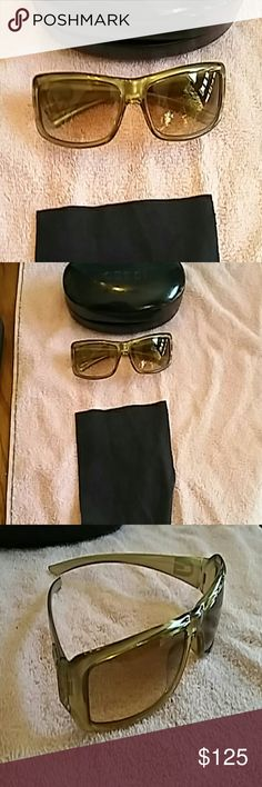 Gucci Authentic Sunglasses with Case and Cleaning Authentic Gucci Sunglasses with Case and Cleaning Cloth.  Style 2551/S is printed on the arm. Gd, plastic rims. Rims are in great shape. No scratches on the lenses. The case has a few dings,  but nothing major.  Hardly worn. Smoke-free home. Gucci Accessories Sunglasses