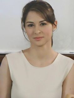 Want recommendations and also great tips on hair care? Hairstyle Cut For Girls. Beyond Beauty, Beauty Full, Marian Rivera, Filipina Actress, Royal Beauty, Asian Hair, Without Makeup, Famous Celebrities, Hair Care Tips