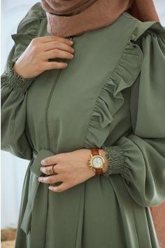 Mode Abaya, Mode Hijab, Hijab Fashion Inspiration, Mode Inspiration, Stylish Dress Designs, Stylish Dresses, Modest Fashion Hijab, Fashion Dresses, Modesty Fashion