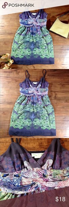 "UO Staring at Stars Top ⭐️ Urban Outfitters, Staring at Stars, size 4, excellent condition. Beautiful floral pattern with hues of purple, pink, green, and blue. Side zip.  Could be worn with jeans, leggings, or even a mini dress.    Flat Lay Measurements: Armpit to Armpit approx 15"" Armpit to Hem (since straps are adjustable!) approx 25""  Comes from a smoke free FAST SHIPPER! 📦 Staring at Stars Tops"