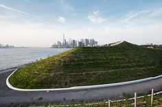 west-8-the-hills-on-governors-island-open-new-york-city-designboom-02