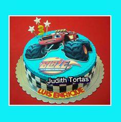 "Torta decorada con fondant.     ""Blaze"" Por: Judith Tortas."