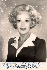 Gisela Schlüter(*6. Juni1914inBerlin; †28. Oktober1995inMittenwald) war eine deutscheKabarettistinundSchauspielerin.