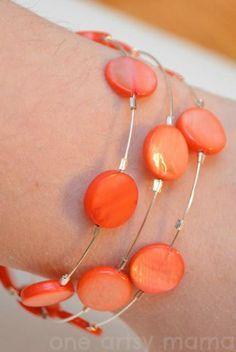 DIY Wire Bracelet: DIY Jewelry: DIY Coral Memory Wire Bracelet